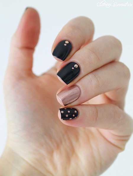Black Nail, Gold Nail, Manicures, Gold, Summer Nail Colors 2017, Mani, Simple