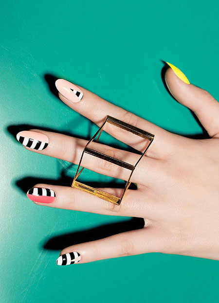 Modern Colors Manicure