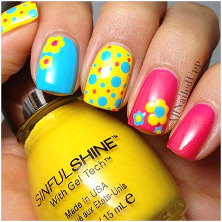 Photo Bright Floweral Dots