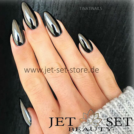 Black Manicure New Stiletto