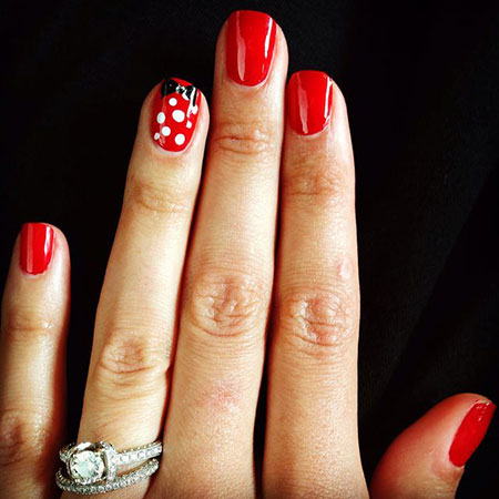 Disney Nail Desing, Disney Manicure Mickey Shellac