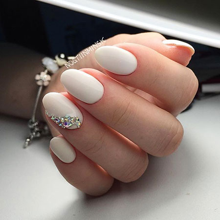 Classy Oval Nails, Wedding Manicure Colors Winter