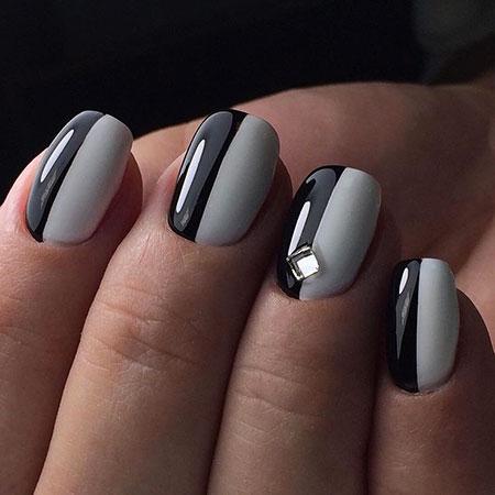 Manicure White Black Blue