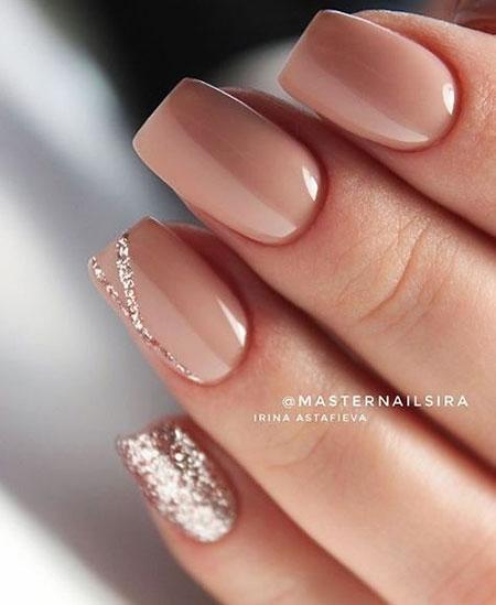 Manicure Manikúra Beige