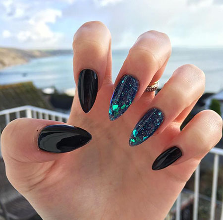 Manicure Black Paznokcie Stiletto