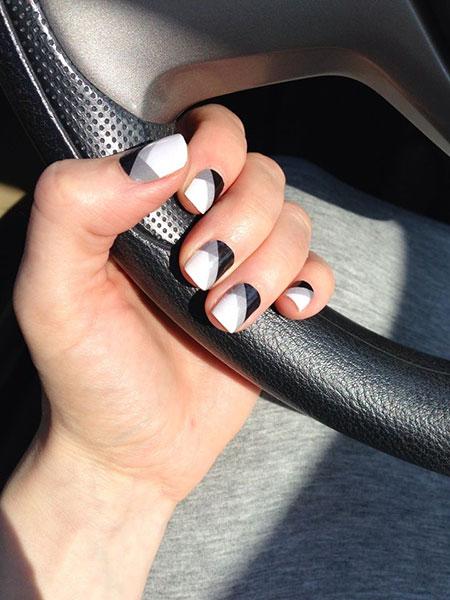 Manicure White Black Summer