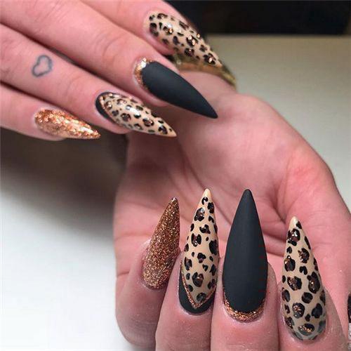 Halloween Nails Pumpkin