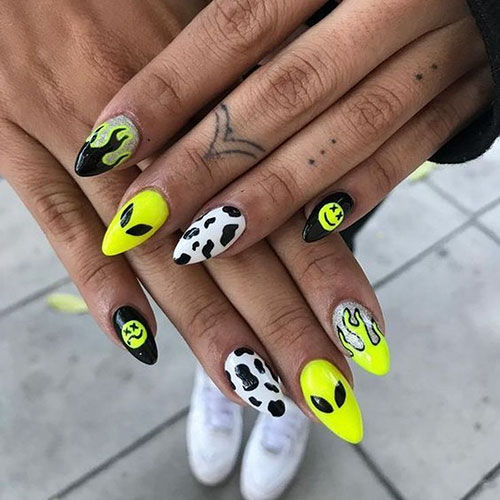 Halloween Acrylic Nail Ideas