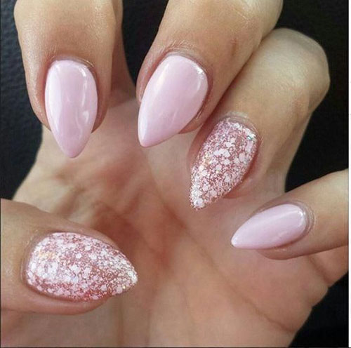 Nails Short Almond